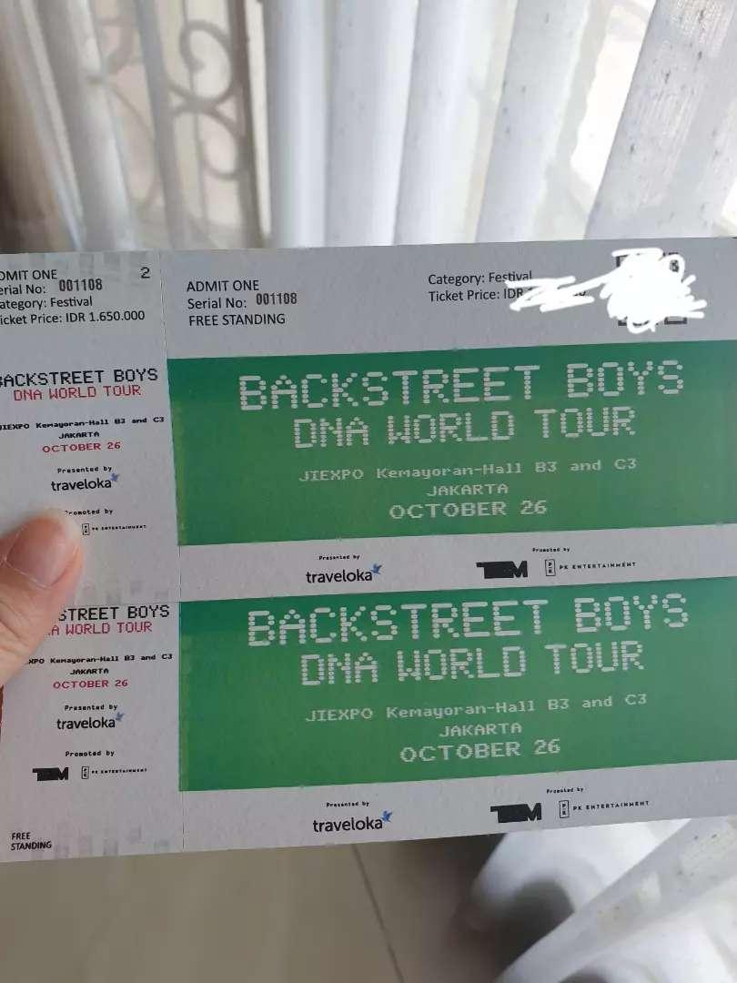 Backstreet boys BSB DNA concert 2 standing tickets 0