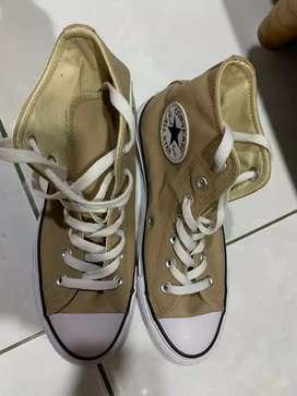 Sepatu Converse Leather coklat size 37,5 / size 5 original