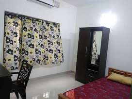 Sharing and individual room for ladies