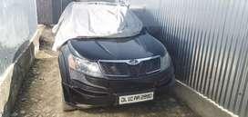 Black color car xuv 500