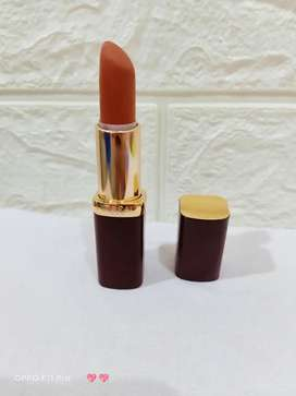 Loreal lipstik nude