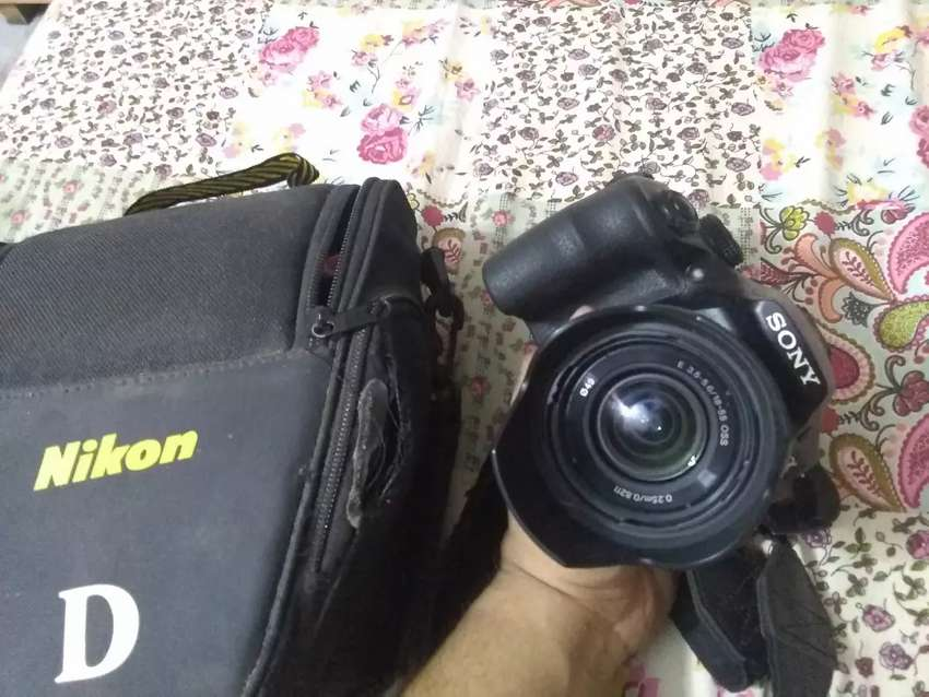 Sony A3000 Mirrorless camera (photography/videography) 0