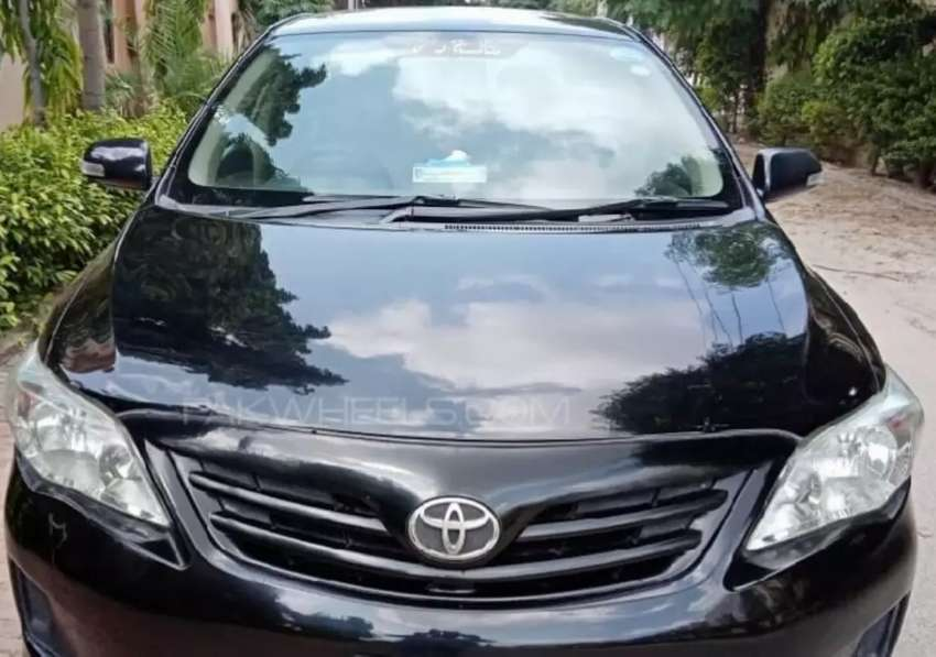 Toyota xli black in immaculate total genuine new condition 0