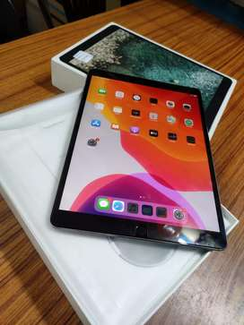 iPad Pro (10.5-inch) Wi-Fi Space Grey Mint Condition 64gb