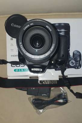 550D Canon with accessories