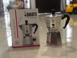 Manual brewer (alat seduh kopi)