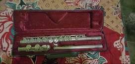 Flute Lincoln bukan Saxophone