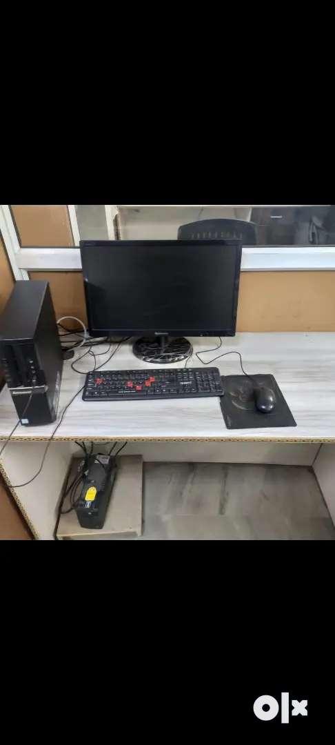 Lenovo Computer Desktops (7 nos.)
