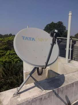 Tata sky Set top box, antena along with wires and remote