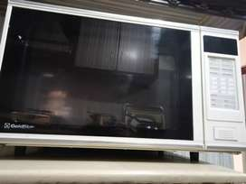 Microwave in new condition