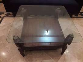 Set of 3 tables in good condition
