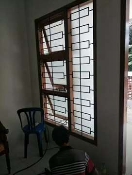 Teralis Pengaman Jendela Motif Bata & Pintu Pengaman