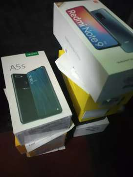 Selling popular redmi / Realme available (sealed pack)
