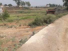 5 marla plot in D-14  near D-12 and Golra station islamabad. 4km gt rd