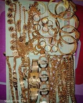 Menerima emas dan perhiasan berlian