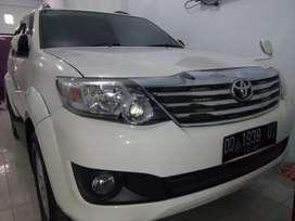 Toyota fortuner g 2013 bensin matic putih mulus luar dlm ori