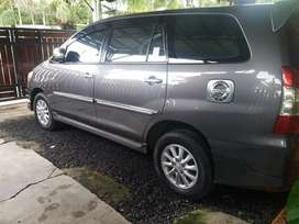INNOVA V LUXURY MATIC 2012