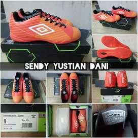 ORIGINAL Umbro Velocita 2 Club IC Sepatu Futsal 81115U ECK
