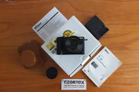 Nikon 1 J5 Lensa Kit 10-30mm Video 4K Bonus Leather Case Batre ori 2