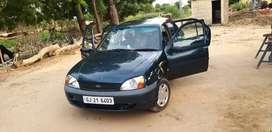 Ford Ikon 2005
