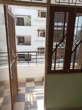 2 bhk flat ready to move in hazratganj