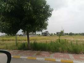 Topcity 10 Marla Plot At an Ideal Location In Block F For Sale