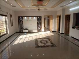 10 Marla Luxury Ground Portion For Rent in Phase 8 Bahria Town