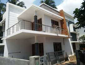 A STRIKING NEW 3BED ROOM 1530SQ FT 3.8CENTS HOUSE IN KALATHODE,THRISUR
