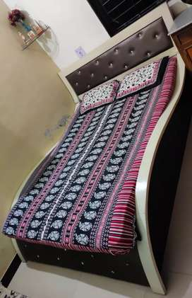 Sell bed with mattress Good condition