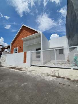 Rumah Cantik di Jalan Raya Tajem