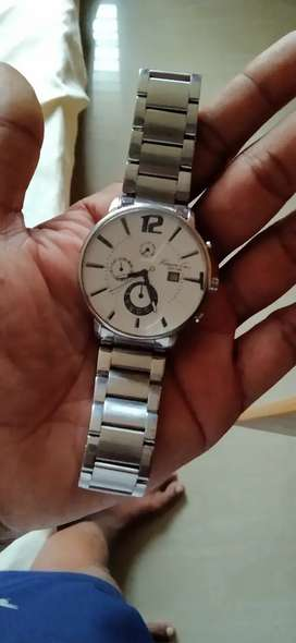 Kennethcole wrist 2 years old fully new.