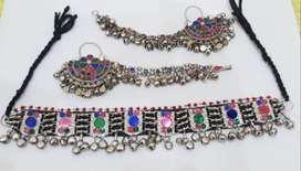silver afghan kuchi necklace with sahara chand earrings
