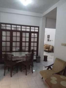 Rumah disewakan dalam perumahan