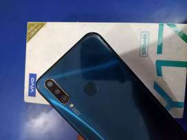 Vivo y17 4/128 in new condition 8month used