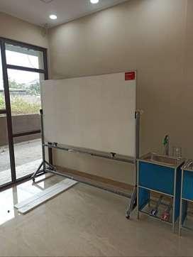 Papan Tulis Whiteboard Non Magnetic Ukuran 120cm x 200cm + standing