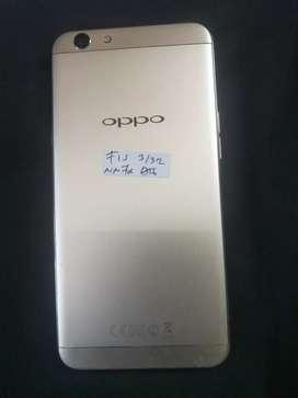 Oppo f1s Ram 1 Internal 32 mulus 99 persen kelengkapan HP Plus charger