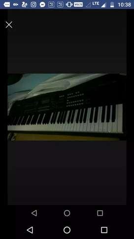 Selling my yamaha moxf8 keyboard