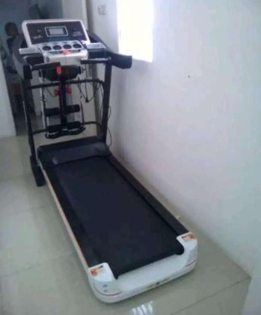 Toko alat fitness /ready Treadmill baru dan bergaransi 0
