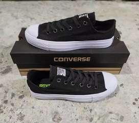 Sepatu Converse CT2