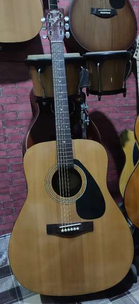 gitar akustik ori yamaha F 310 P mulus free tas dan capo