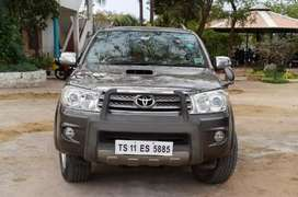 Toyota fortuner 3.0, 4×4 manual, 2011Diesel