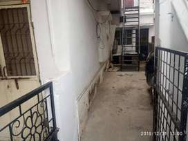 8 BHK independent house for sale in Madan Mahal-781