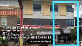 Disewakan Ruko 2,5 Lantai Lokasi Jln A.Rozak  Palembang