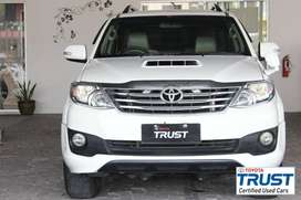 Toyota Trust - Fortuner TRD VNT Diesel MT 2012