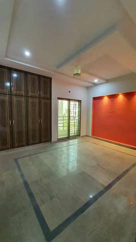 2 bed apartment for  family/ girls available for rent In Pak Arab