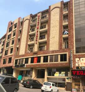 10 Marla Main Boulevard Commercial Building Available For Sale In Civi
