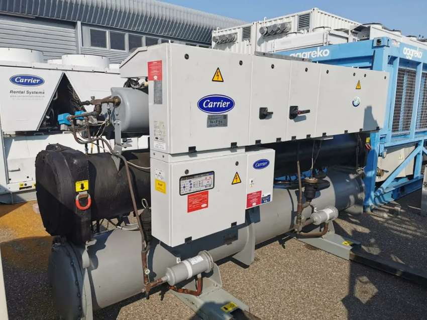Carrier Water Cooled Chiller 200 ton Year 2000