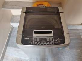 Lg washing machine top load in excellent condition