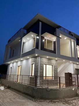 4bhk luxury kothi avaialable for sale at sunny enclave sector 125