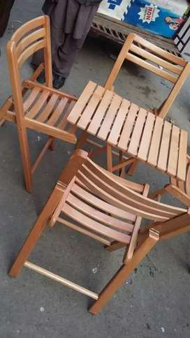 Beachwood foldable 4 chairs and 1 table available for dining room